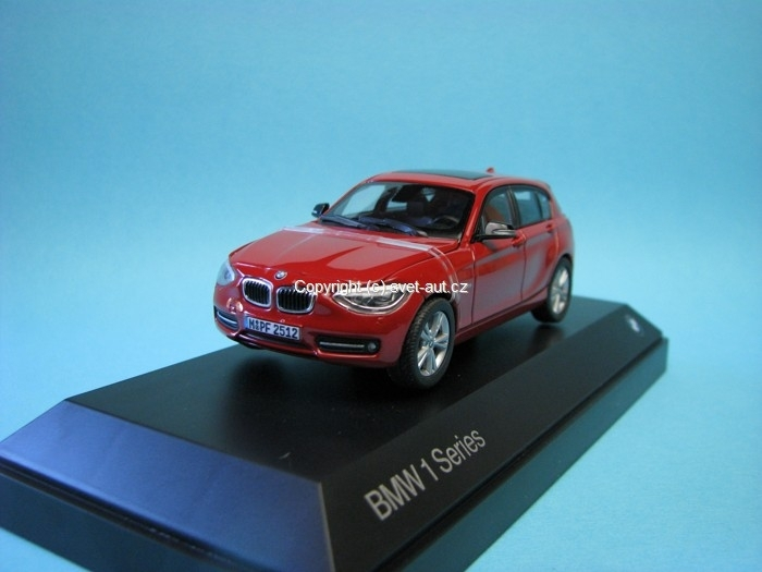 BMW 1 Series 2011 red 1:43 Paragon Models
